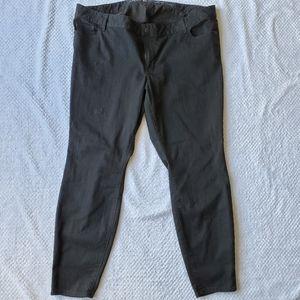 Old Navy/Black Super Skinny Jeans/ Size 22
